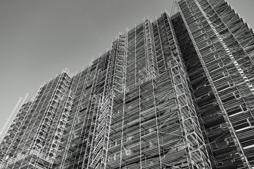 a black and white image of scaffolding